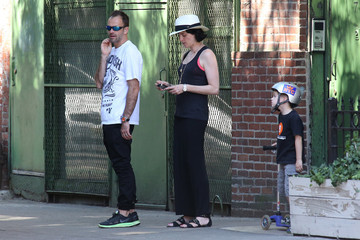 Jonny Lee Miller Jonny Lee Miller and His Wife Hang Out in NYC