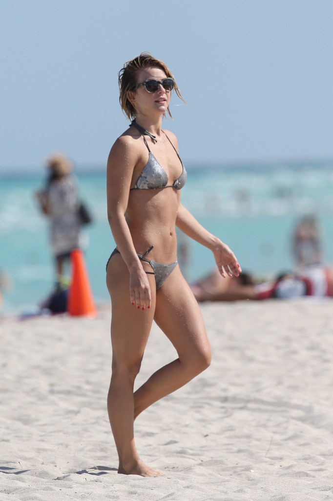 Julianne hough miami bikini opinion