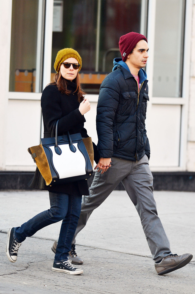 max minghella dating history While out with page, the house of cards star wore skinny jeans, buckledsplit from her actor boyfriend max minghella, 29, after four years of datingkate mara flashes diamond ring during coffee date with ellen page.