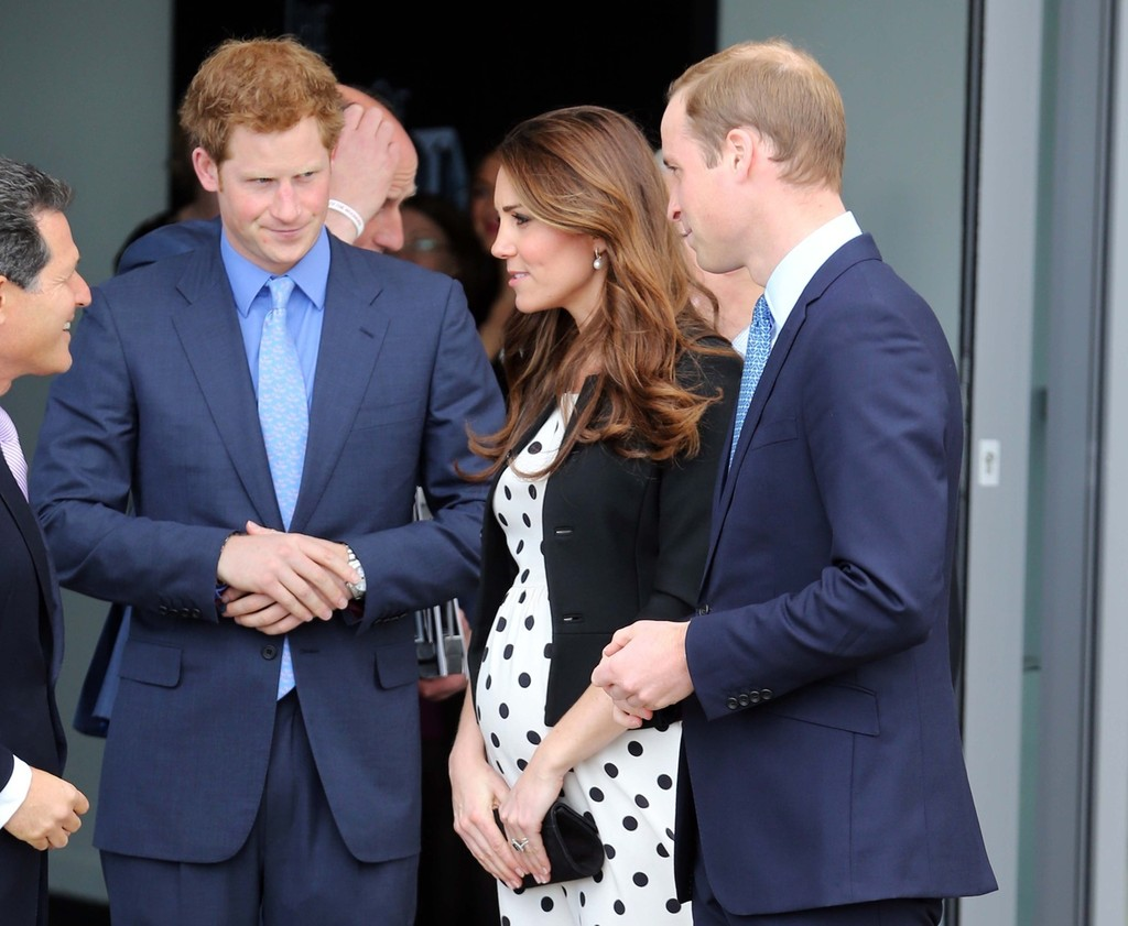 Kate Middleton - British Royals Tour the Warner Bros. Studio