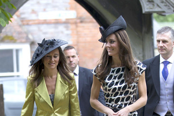 http://www1.pictures.zimbio.com/pc/Kate+Middleton+Pippa+Middleton+kcuTBu9o-NZm.jpg