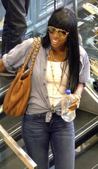 "Kelly Rowland ""X Factor"" judge Kelly Rowland hits high street store River Island for their Summer sale in London."