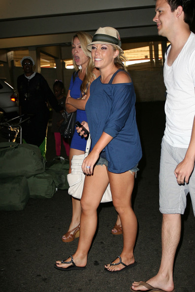 Jessica Hall and Kendra Wilkinson Kendra Wilkinson at Burbank Airport 2