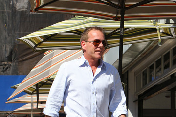 Siobhan Bonnouvrier Kiefer Sutherland Gets Lunch in the West Village
