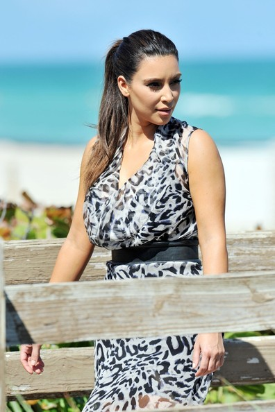 Related Pictures of kim kardashian filming for her reality show in ...
