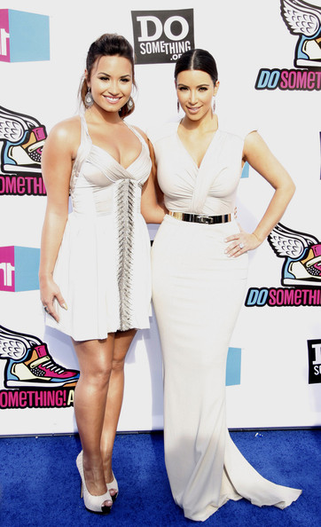 """Stars at the """"VH1 Do Something Awards"""" in Hollywood 2 []"""