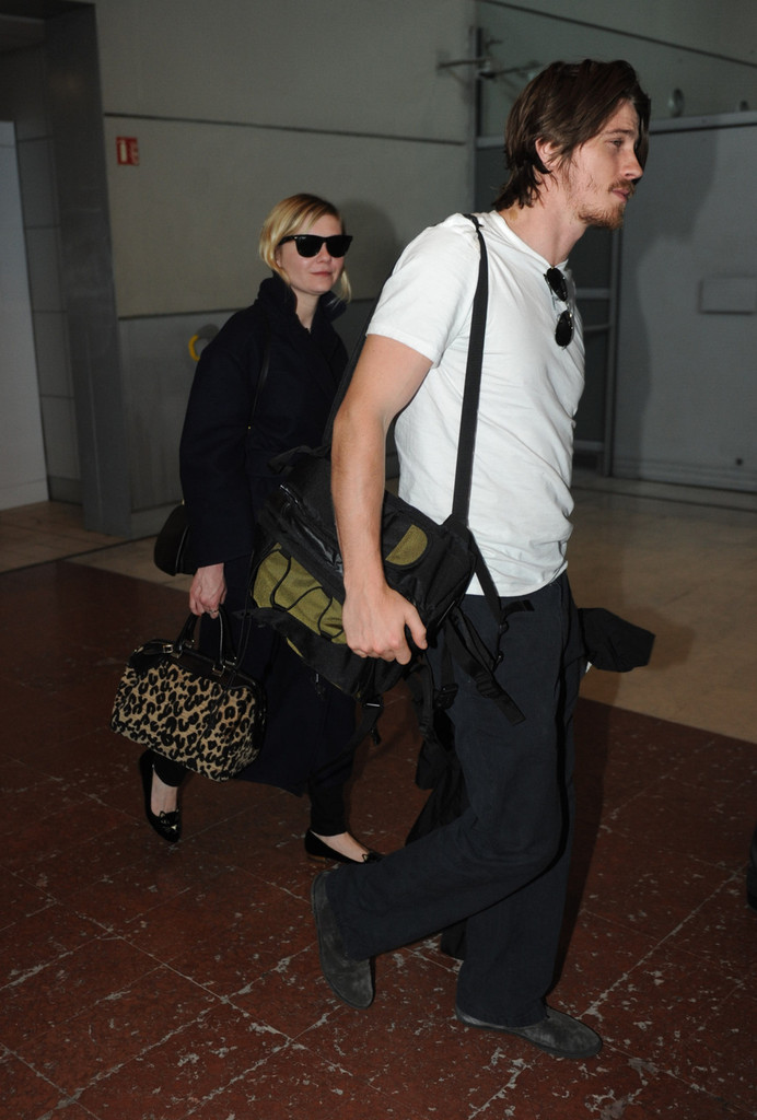 Kirsten Dunst and Garrett Hedlund are engaged after more