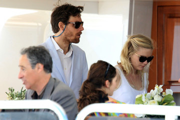 Jason Boesel Kirsten Duns Gets Lunch in Cannes