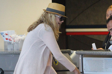 Kristen Johnston Kristen Johnston Catches at Flight out of Los Angeles