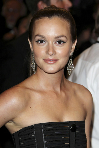 leighton black personals On the tenth anniversary of the cw's flagship series, gossip girl's actors, producers, and crew members reflect on the frenzy, contemplate the series's lasting impact, and, yes, dish on its.