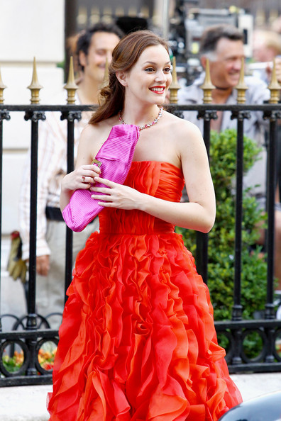 http://www1.pictures.zimbio.com/pc/Leighton+Meester+wears+striking+ruffley+red+SKQiGD6vSszl.jpg?42440PCN_GossipParis01