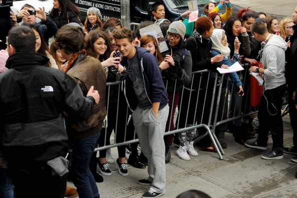 Fan Pictures With One Direction One Direction Greet Fans