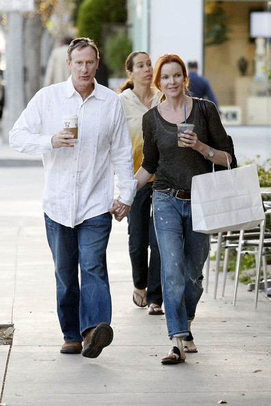 http://www1.pictures.zimbio.com/pc/Marcia+Cross+Desperate+Housewives+actress+bcO6ylZHrC9l.jpg?36838PCN_Cross10