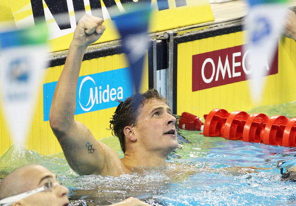 Michael Phelps Ryan Lochte USA wins the gold medal in the 200m medley final, setting a new world record at the 14th FINA Swimming World Championships in China.