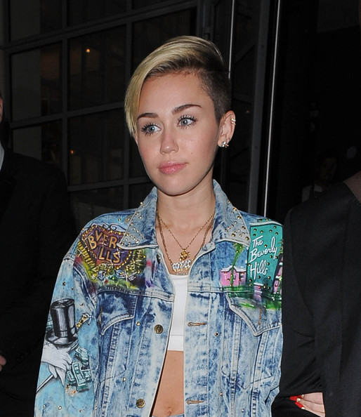 Miley Cyrus Miley Cyrus Bares Her Abs In London Zimbio