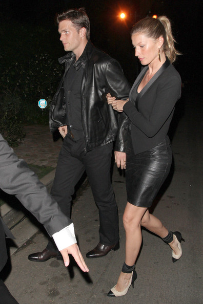 Model Gisele Bündchen and husband Tom Brady are spotted entering a Pre Oscar party in Brentwood, Los Angeles.