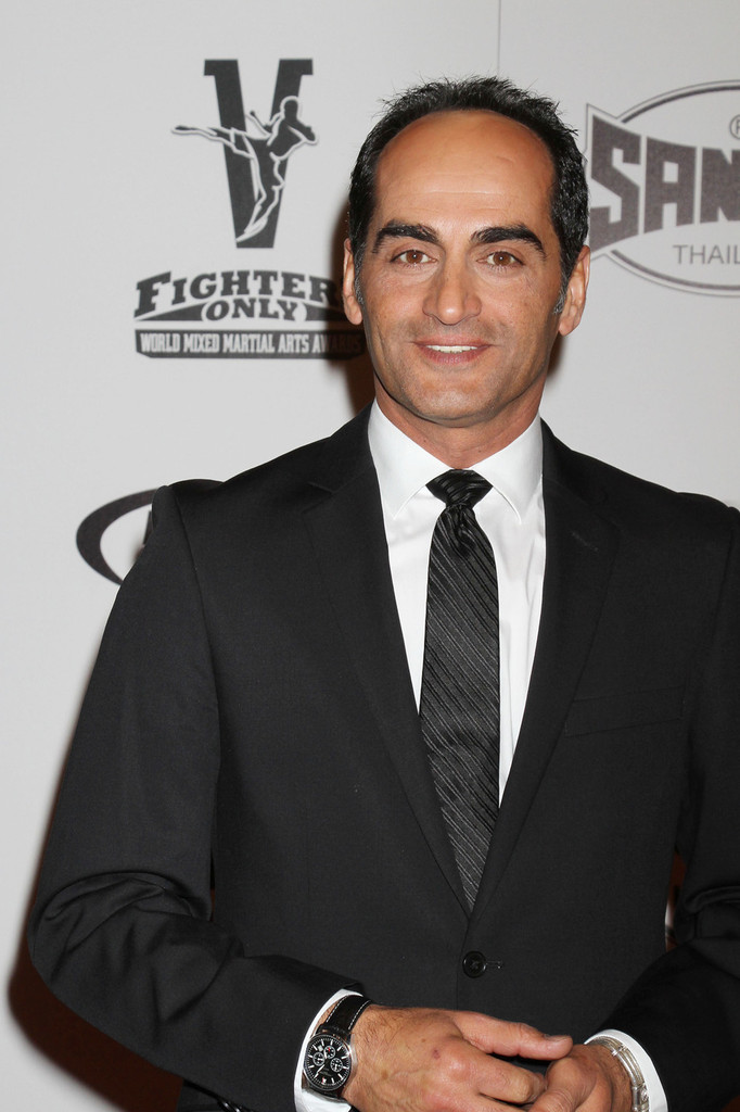 navid negahban biography
