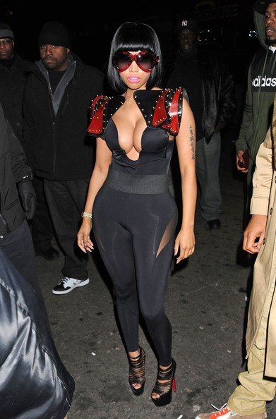 http://www1.pictures.zimbio.com/pc/Nicki+Minaj+barely+contains+assets+arrives+vm9r9K9VGY2l.jpg