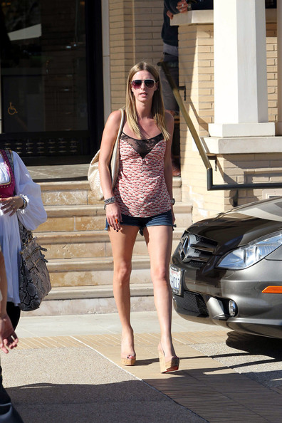 Nicky Hilton shows some skin in short shorts whilst leaving Barneys in Beverly Hills on a warm spring day.