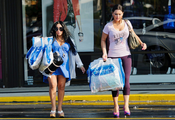 9b896d2568 Nicole Polizzi Photos Photos - Snooki and JWoww Shop in Jersey - Zimbio