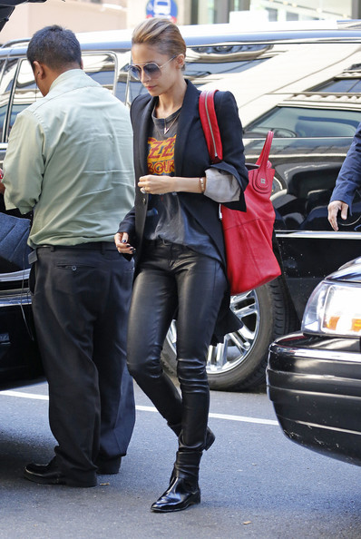 Nicole Richie - Nicole Richie Leaves Her NYC Hotel