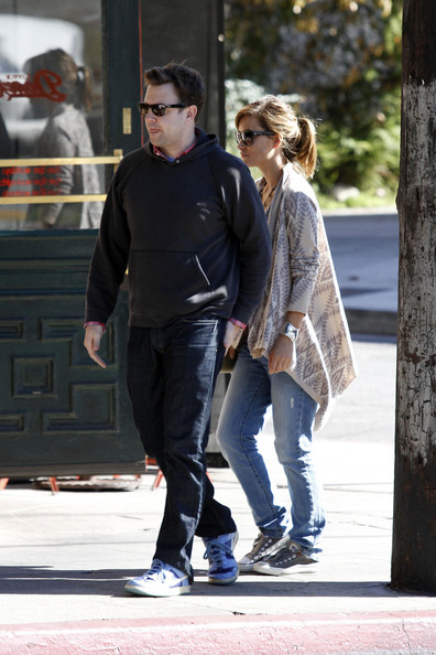 Olivia Wilde and her boyfriend Jason Sudeikis have lunch together in Los ...