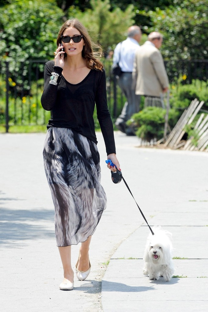 Olivia Palermo Walks the Dog