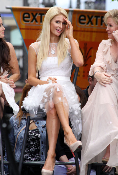 Paris Hilton - Celebs on 'Extra' at the Grove in LA