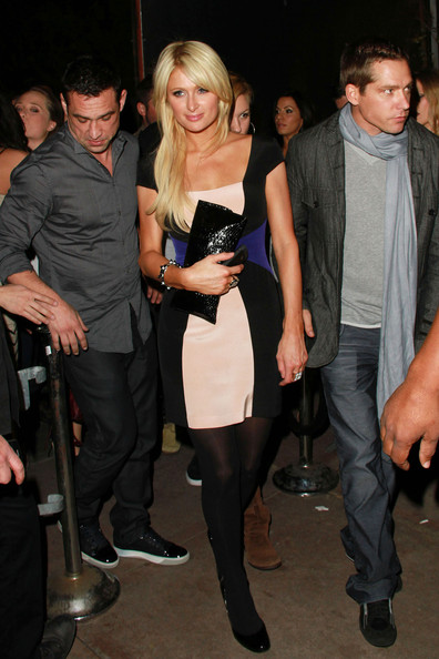 http://www1.pictures.zimbio.com/pc/Paris+Hilton+boyf+Cy+Waits+dine+out+Hollywood+Ce58IjCfMnwl.jpg