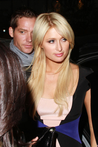 http://www1.pictures.zimbio.com/pc/Paris+Hilton+boyf+Cy+Waits+dine+out+Hollywood+WBGLV8RAd2hl.jpg