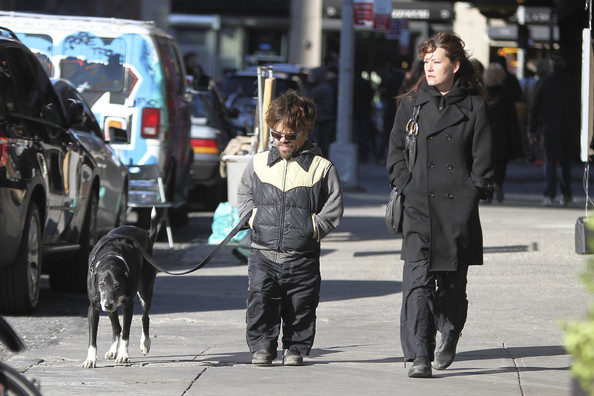 Peter Dinklage and Erica Schmidt in SoHo - Zimbio