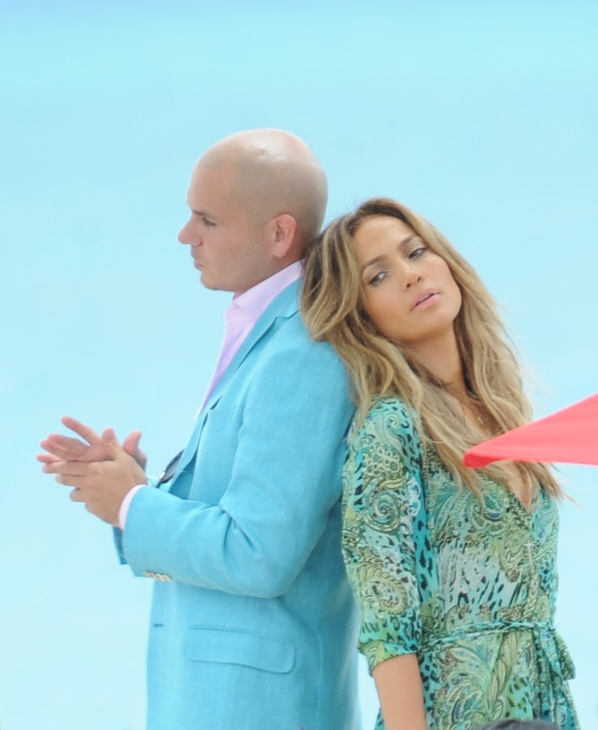 Displaying 20 gt images for pitbull jennifer lopez
