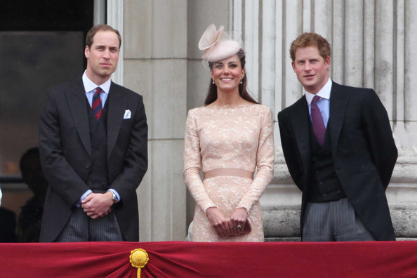 http://www1.pictures.zimbio.com/pc/Prince+Harry+Prince+William+Prince+Harry+Kate+32S3clDJh70l.jpg
