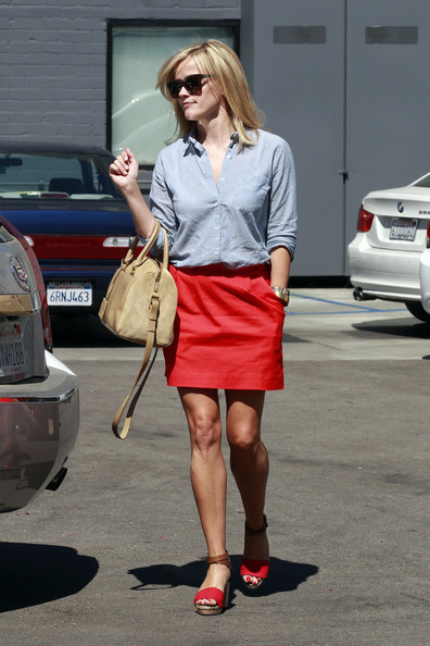 Reese Witherspoon - Jake Gyllenhaal and Reese Witherspoon Out in LA