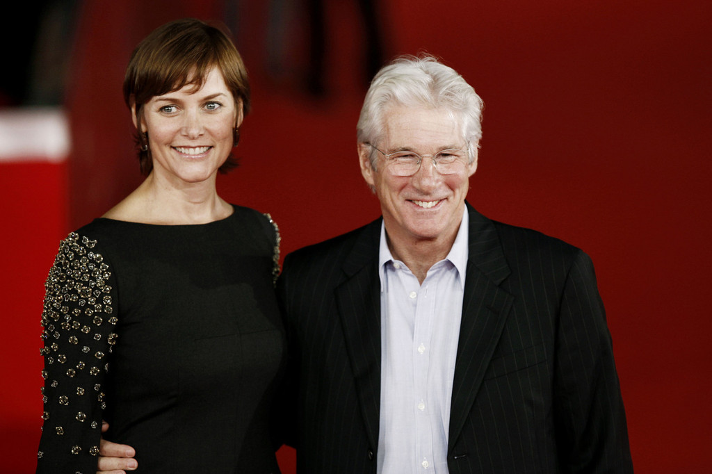 Richard Gere Photos Photos - Richard Gere and Wife on the ...