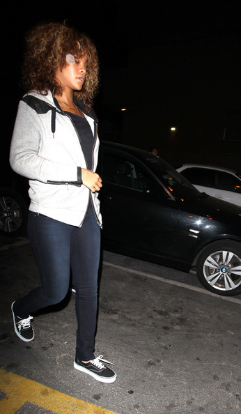 Rihanna - Rihanna Steps Out of Giorgio Baldi Restaurant in Santa Monica