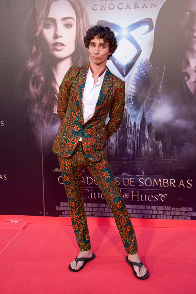 Robert Sheehan Pictures - 'The Mortal Instruments ...