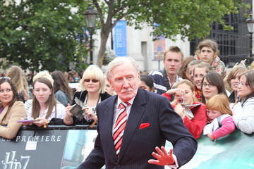 """Leslie Phillips The """"Harry Potter & The Deathly Hallows Part 2"""" World Premiere in Trafalgar Square"""