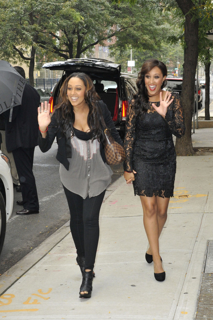 22 Surprising Celebrity Twins - Celebrities Who Have a ...