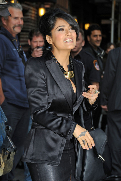 Salma Hayek - Salma Hayek Poses Outside the 'Letterman' Studios