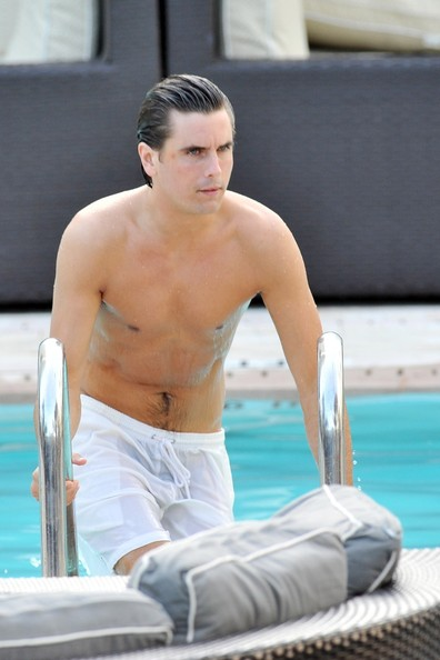 Is That You Scott Disick Controversial Star Shows New