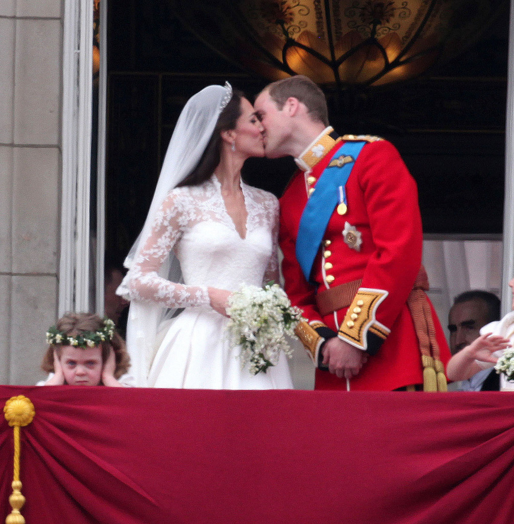 Gallery Royal Wedding Kisses: Kate Middleton Photos Photos
