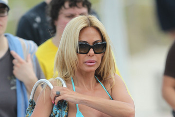 Shauna Sand Shauna Sand Hits the Beach 2