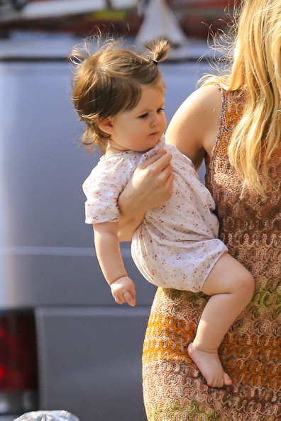 sienna miller out with her daughter   zimbio