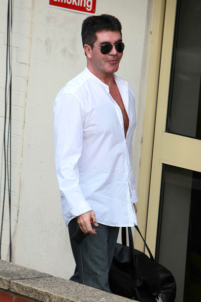 fingers-simon-cowell-hairy-chest-and-her