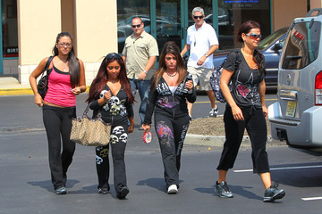 Angelina Pivarnick Deena Nicole Cortese Snooki and the Rest of the Jersey Shore Crew get Together
