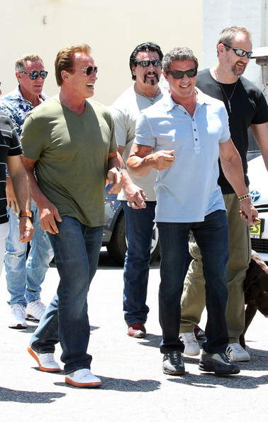 ¿Cuánto mide Sylvester Stallone? - Real height Sylvester+Stallone+Arnold+Schwarzenegger+Arnold+tNlmXbFZ1-Nl