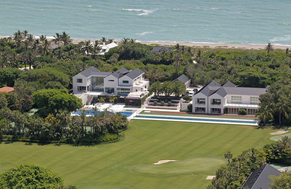 Flo rida in thats a hole in one to avoid tiger woods 39 80 Images of tiger woods house