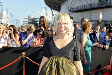 Sia Furler Terri and Bindi Irwin On the Red Carpet