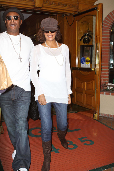 Whitney Houston Pregnant
